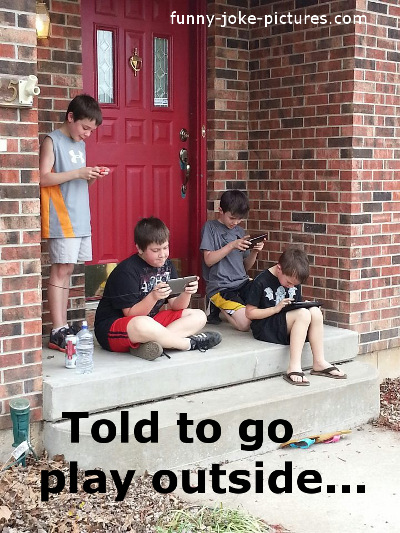 funny-kids-playing-outside